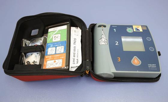 AED (自動体外式除細動器)